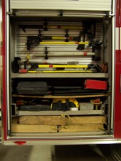 Engine 11 Compartment 8.JPG (911095 bytes)